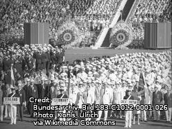 Bundesarchiv_Bild_183-C1012-0001-026,_Tokio,_XVIII._Olympiade,_Gesamtdeutsche_Mannschaft.jpg