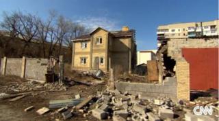 ウクライナ・東部の廃墟.PNG
